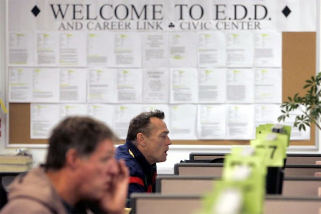 Les inscriptions hebdomadaires au chômage aux Etats-Unis ont reculé dans une... (Photo archives Reuters)