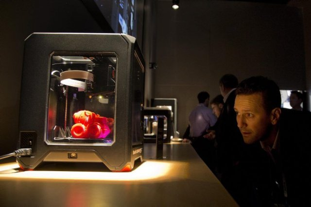 L'entreprise de Brooklyn MakerBot, qui présente sonMakerBot Replicator... (Photo Julie Jacobson, AP)