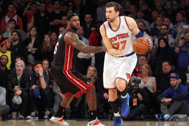 Andrea Bargnani (à droite), des Knicks de New... (Photo Brad Penner, USA Today)