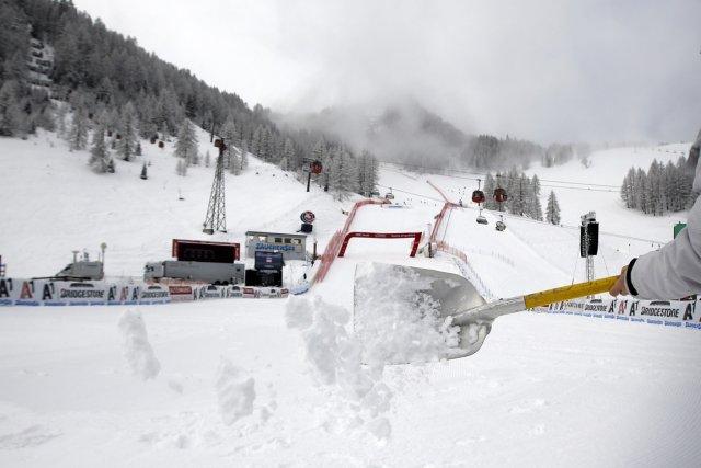 La seconde descente d'entraînement pour l'étape de Coupe du monde de ski alpin... (Photo Marco Trovati, AP)