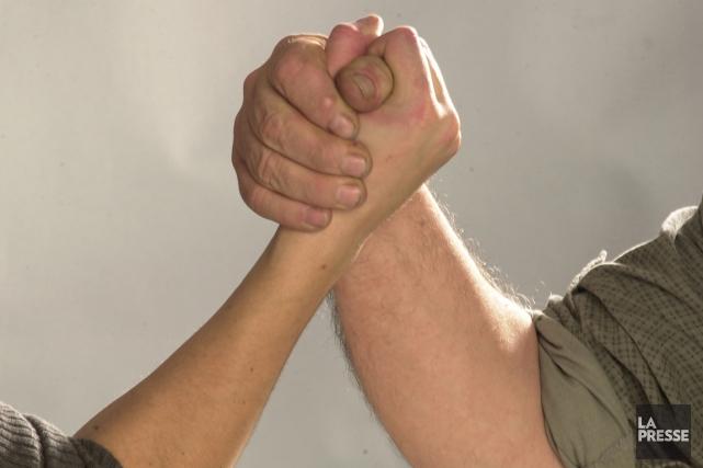 Deux Russes ivres incapables de se mettre d'accord sur le résultat d'un bras de... (Photo archives La Presse)