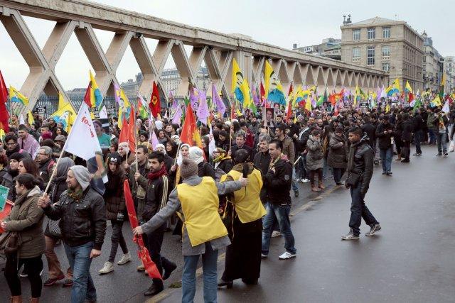 Environ 20000 personnes, selon un photographe de l'AFP,... (PHOTO JACQUES DEMARTHON,, AFP)