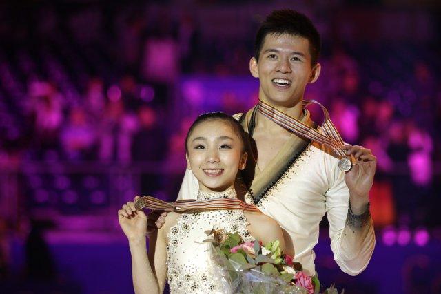 Narumi Takahashi and Mervin Tran, médaillés de bronze... (Photo Lionel Cironneau, archives AP)