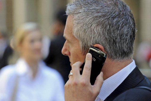 Le marché canadien du sans-fil est toujours dominé... (Photo Archives AFP)