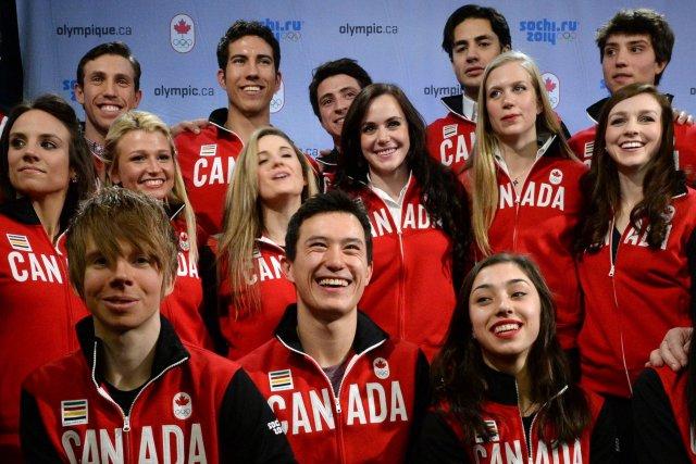 La jeune équipejeune délégation canadienne de patinage artistique... (Photo Sean Kilpatrick, PC)