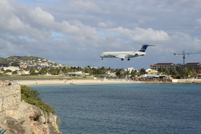 Aéroport international Princess Juliana sur l'île de Saint-Martin.... (Photo collaboration spéciale François-Olivier Roberge)