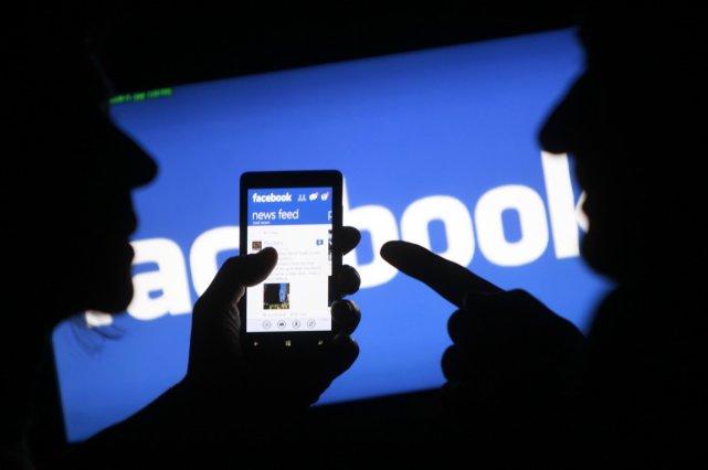 Les réseaux sociaux sont davantage un atout qu'une... (PHOTO DADO RUVIC, REUTERS)