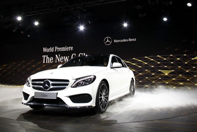 La nouvelle berline classe C 2015 de Mercedes-Benz.... (PHOTO JOSHUA LOTT, REUTERS)