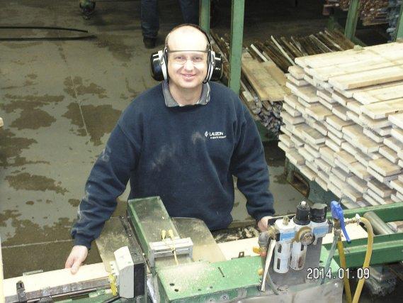 Éric Clément est représentant au service de santé... (Photo fournie par Lauzon Planchers de bois exclusifs)