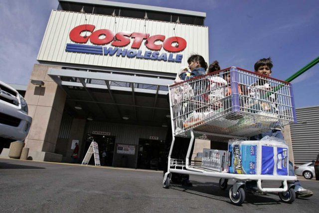 James D. Sinegal, qui a cofondé la chaine de magasins Costco en 1982, a obtenu... (Photo Associated Press)