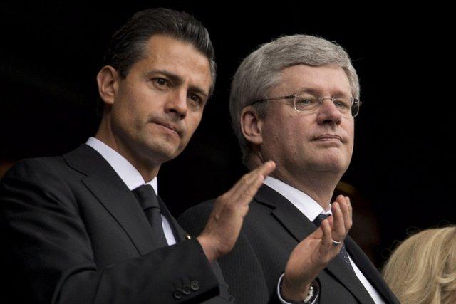 Stephen Harper et le président du Mexique Enrique... (Photo: PC)