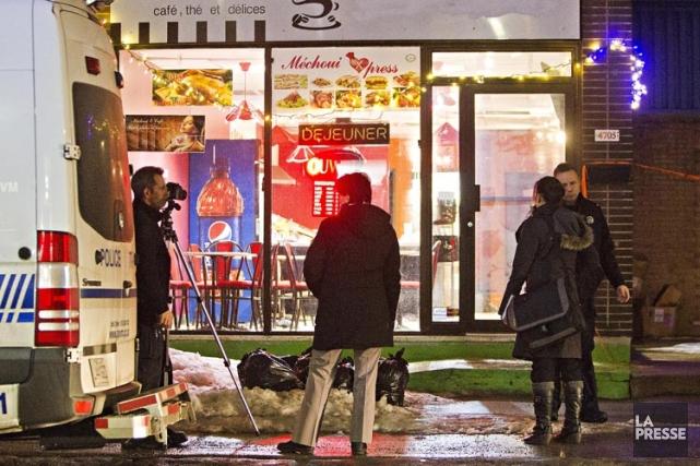 Urgences-Santé, qui a transportél'employé du restaurantdans un centre... (Photo: Félix O.J. Fournier, Collaboration spéciale)