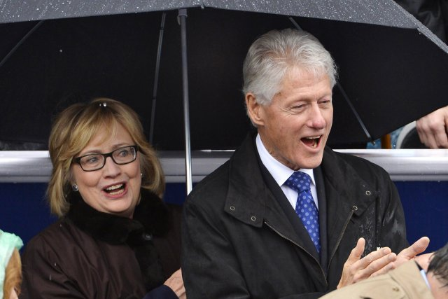 Hillary et Bill Clinton, à Richmond en Virginie,... (PHOTO MIKE THEILER, REUTERS)
