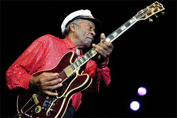 Le guitariste Chuck Berry.... (Photo archives AP)