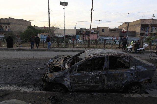 Quatre voitures piégées ont explosé lundi soir dans... (Photo REUTERS)