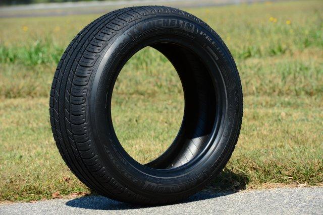 michelin compte sur un nouveau pneu pour cro tre en am rique du nord technologies. Black Bedroom Furniture Sets. Home Design Ideas