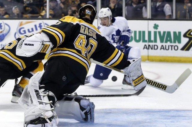 Tyler Bozak a marqué deux fois pour aider les Maple Leafs de Toronto à vaincre... (Photo: AP)
