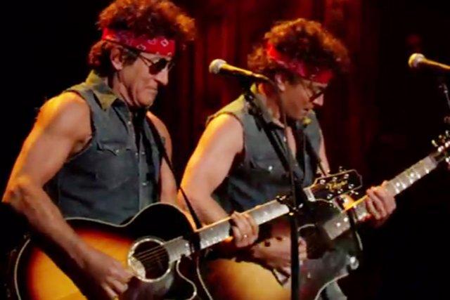 Bruce Springsteen (à gauche) et Jimmy Fallon en... (IMAGE TIRÉE DE LATE NIGHT WITH JIMMY FALLON)