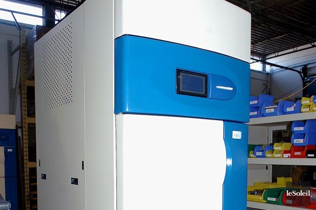 Le stérilisateur Sterizone 125L+ est le produit vedette... (Photothèque Le Soleil, Jean-Marie Villeneuve)