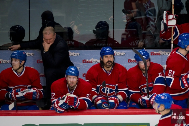 Michel Therrien ne pouvait cacher son dépit derrière... (Photo André Pichette, La Presse)