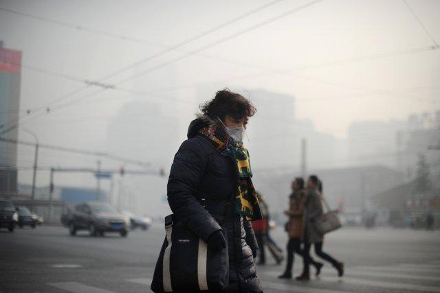 Pékin est aux prises avec un nouvel épisode... (PHOTO WANG ZHAO, AFP)