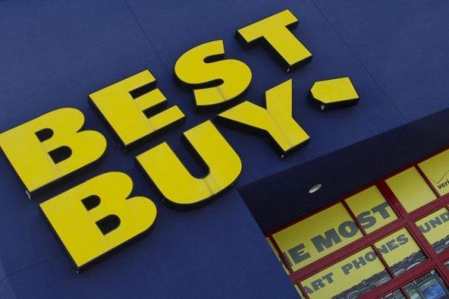 Best Buy avait commencé, avant la saison des... (Photo J. Pat Carter, AP)