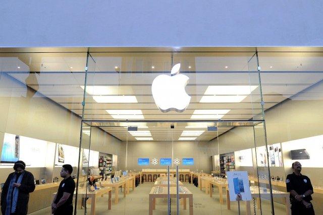 «Apple a montré ses muscles dans le passé... (Photo Noah Berger, Bloomberg)
