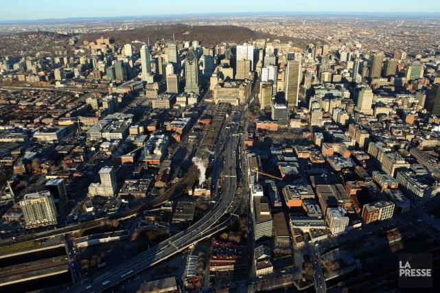 Au Québec, on dénombrait 68 000 fonctionnaires municipaux... (PHOTO MARTIN CHAMBERLAND, ARCHIVES LA PRESSE)