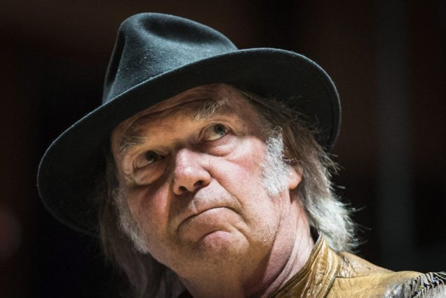Neil Young a rejeté les allégations du cabinet... (Photo: La Presse Canadienne)