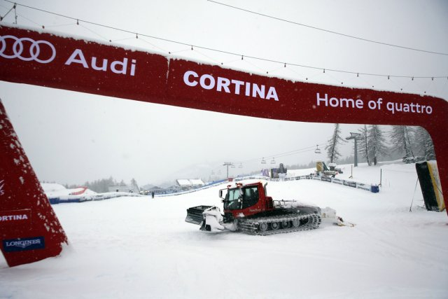 La deuxième descente d'entraînement prévue en vue de la Coupe du monde des... (Photo Marco Trovati, AP)