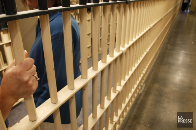 Une centaine de «prisonniers volontaires» vivront pendant 48... (Photo archives Reuters)