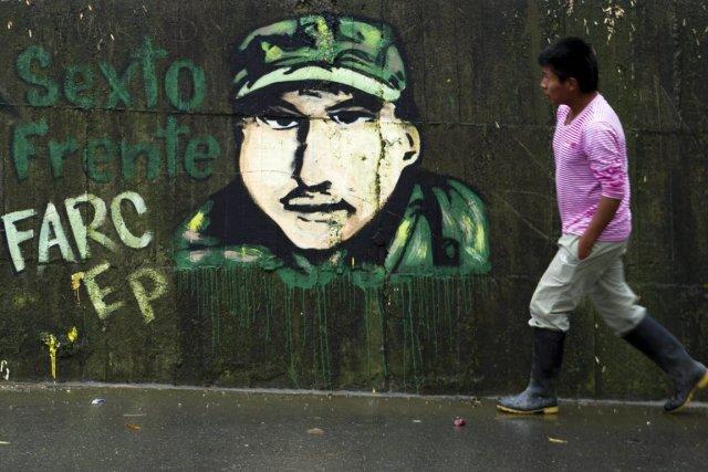 Cet attentat survient alors que les FARC ont... (PHOTO LUIS ROBAYO, ARCHIVES)
