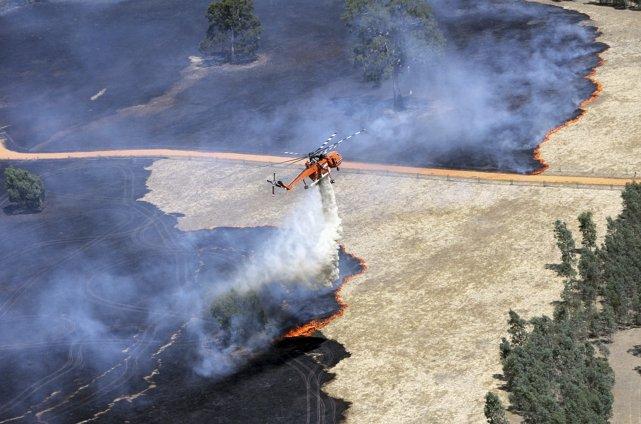 Un brasier a détruit 15 maisons dans l'État... (Photo Reuters)