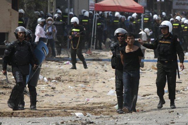 Au début du mois, la police avait tué... (Photo SAMRANG PRING, Reuters)