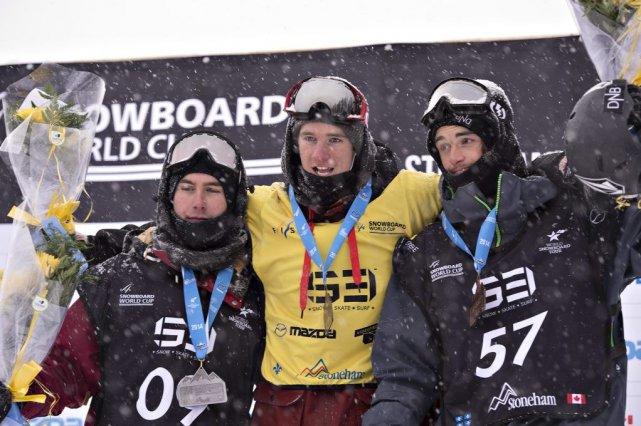 Maxence Parrot (au centre) a devancé Niklas Mattsson... (PHOTO LA PRESSE CANADIENNE)