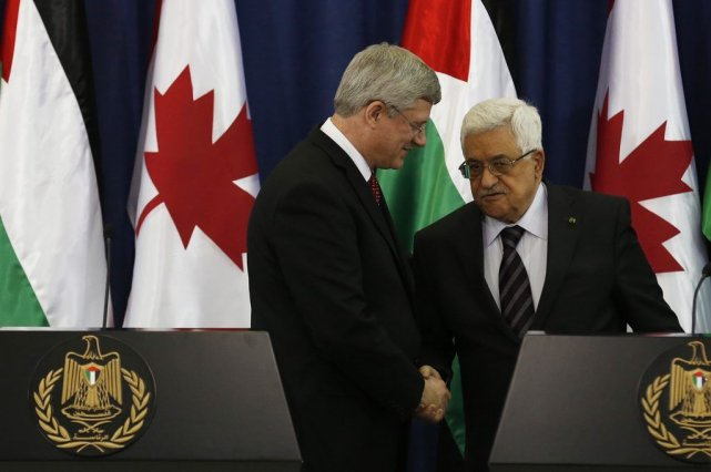 Stephen Harper et Mahmoud Abbas.... (Photo Reuters)
