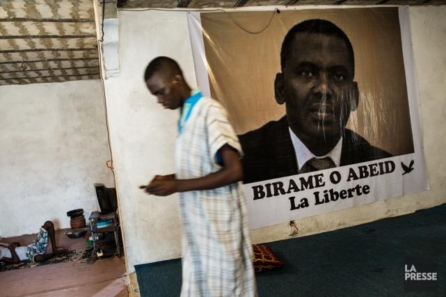 Une affiche de Biram Dah Abeid.... (Photo Édouard Plante-Fréchette, La Presse)
