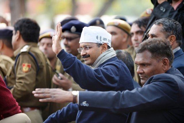 Arvind Kejriwal, qui s'est dit «anarchiste», affirme être... (PHOTO SAJJAD HUSSAIN, AFP)