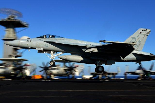 Les États-Unis sont prêts à déployer des moyens aériens et navals, comprenant... (Photo: AFP)