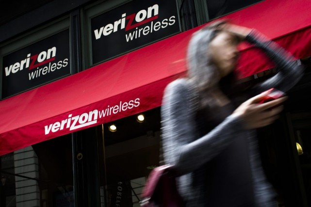 Verizon, établie à New York, a indiqué que... (Photo John Minchillo, archives AP)