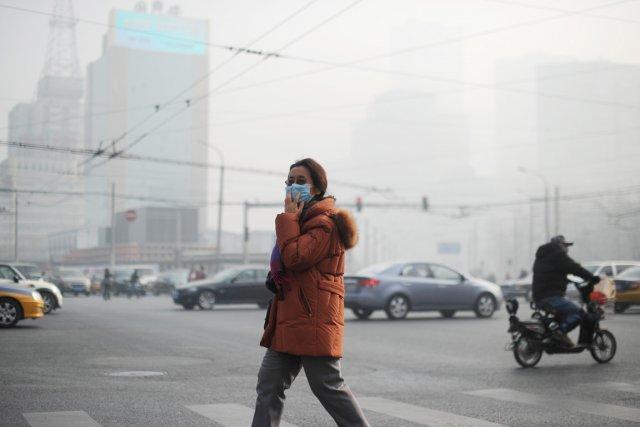 La pollution atmosphérique est devenue l'un des principaux... (PHOTO WANG ZHAO, AFP)