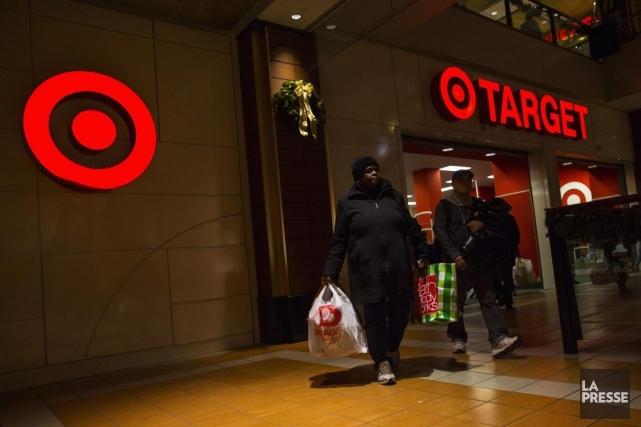 Target avait révélé le mois dernier que les... (PHOTO ERIC THAYER, REUTERS)