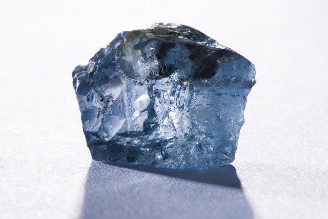 Un diamant bleu de 25,5 carats avait trouvé... (Photo REUTER)