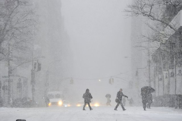Une tempête de neige a balayé le Nord-Est... (Photo Timothy Clark, AFP)