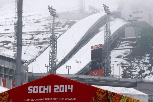 Le centre de saut à skis, à Krasnaya... (Photo Alexander Deminanchuk, Reuters)