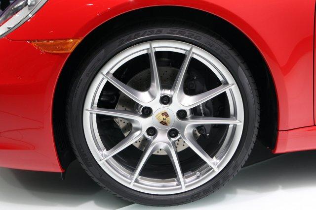 Un expatrié britannique roulant en Porsche a suscité un tollé à Singapour après... (Photo Rebecca Cook, archives Reuters)