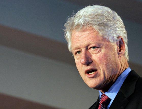 Bill Clinton, alors président des États-Unis, avait émis... (Photo Nathan Denette, archives La Presse Canadienne)