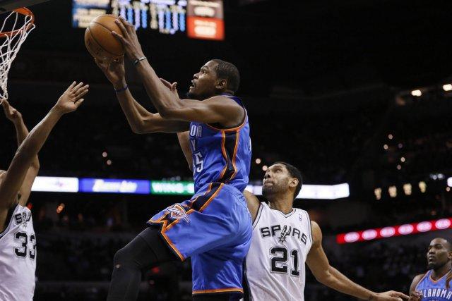 Kevin Durant a inscrit 36 points dans la... (Photo Soobum Im, USA Today)