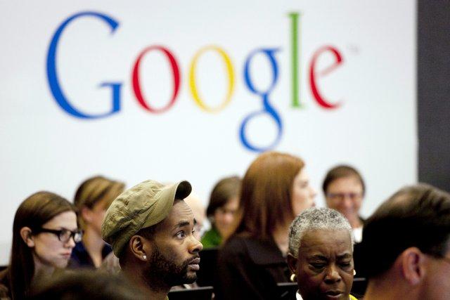Depuis son lancement,Googlebalaie les mots utilisés dans les... (PHOTO MARK LENNIHAN, ARCHIVES ASSOCIATED PRESS)
