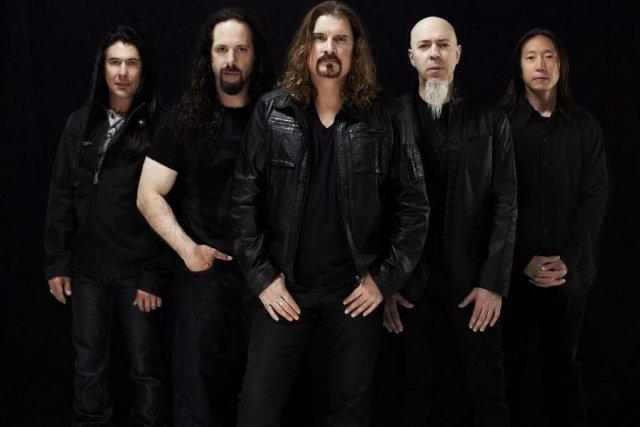 Le groupe Dream Theater. Le chanteur James LaBrie... (Photo: La Presse Canadienne)